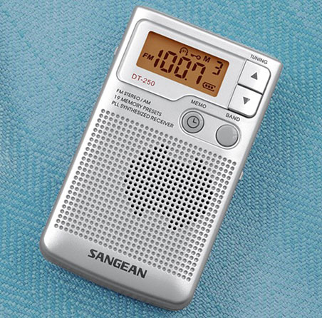 Aparat radio portabil digital AM FM Sangean DT 250 1 Sangean DT 250 review