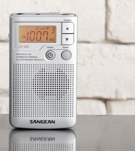 Aparat radio portabil digital AM FM Sangean DT 250 2 Sangean DT 250 review